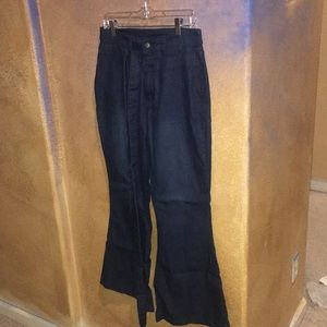 Dark blue curvy fit jeans